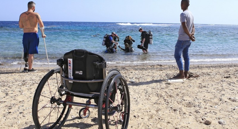 Deptherapy-programme-members-undertaking-open-water-training-at-Roots-Red-Sea.-Photo-Dmitry-Knyazev.jpg